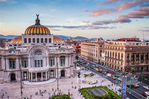 bellas artes dans le zocalo de mexico