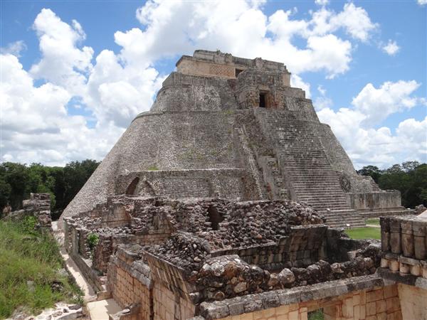 visiter Uxmal lors d'un circuit sur mesure au Yucatan en location de voiture