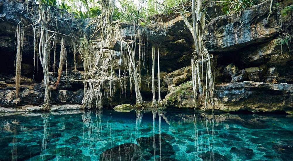 cenote hors des sentiers battus dans le Yucatan