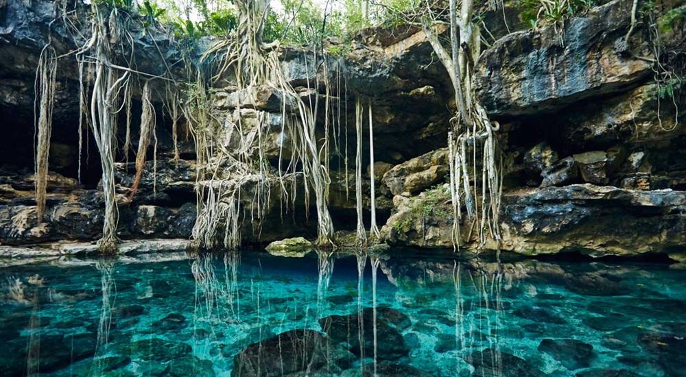 nager en cenote au mexique