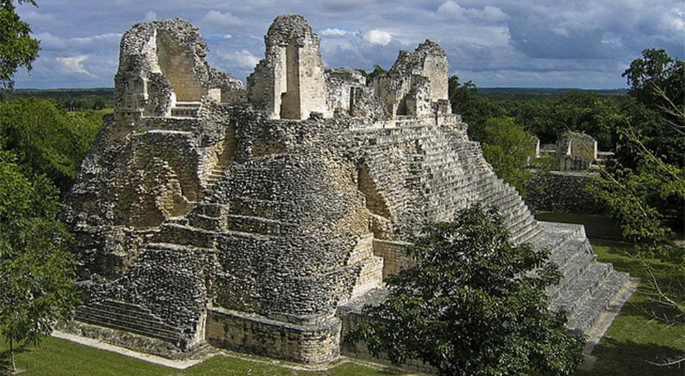 Découvrir Becan un site peu touristique lors de son voyage au Yucatan