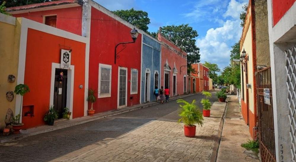flaner dans les ruelles colorées de valladolid en toute sécurité avec sa famille