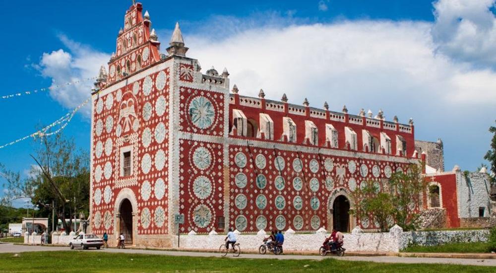 magnifique église de Uayma superbement décorée a voir si vous avez un peu de temps pendant votre périple au Mexique en famille