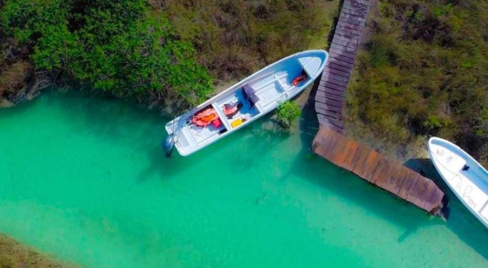 balade familiale en bateau dans la reserve de sian ka'an au Mexique