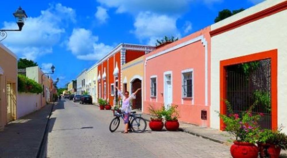 arpenter les ruelles colorées de Valladolid au Mexique pendant un séjour familial