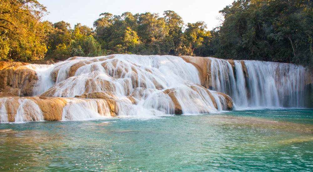 les cascades d'agua azul au mexique