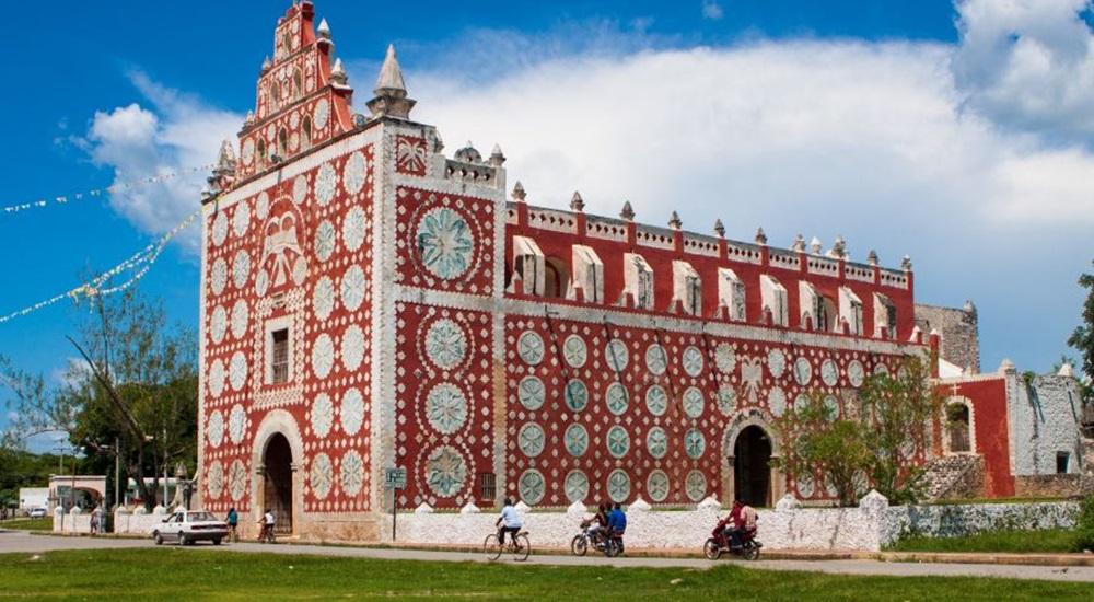 aller visiter l'eglise de Uayma lors d'un autotour au Mexique