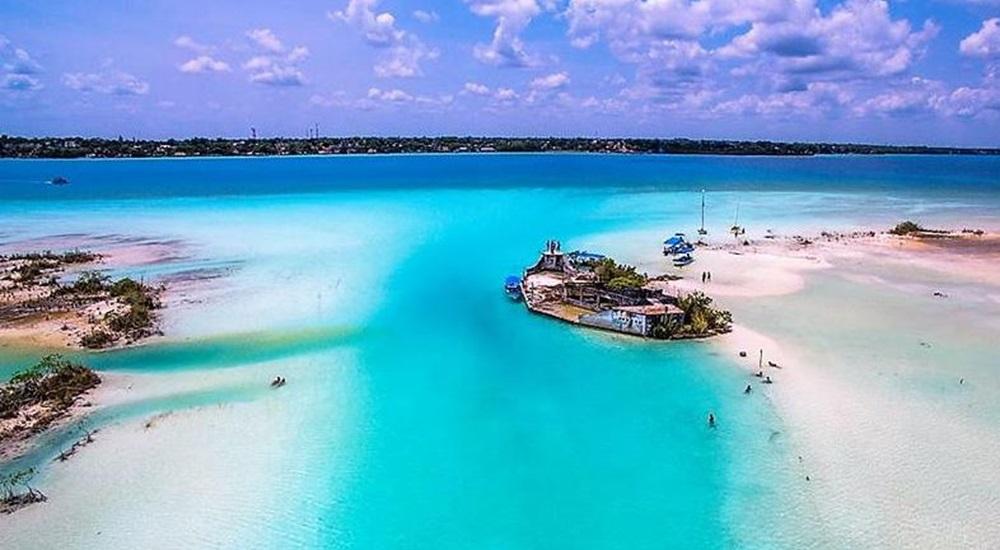 profiter de bacalar lors d'un voyage au Yucatan sur mesure