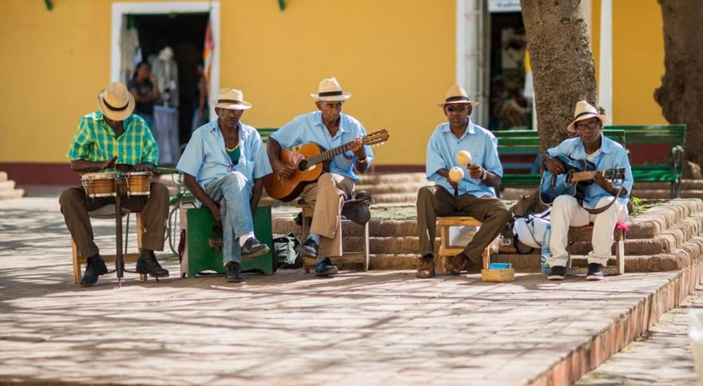Voyagez à Cuba à travers un autotour magnifique