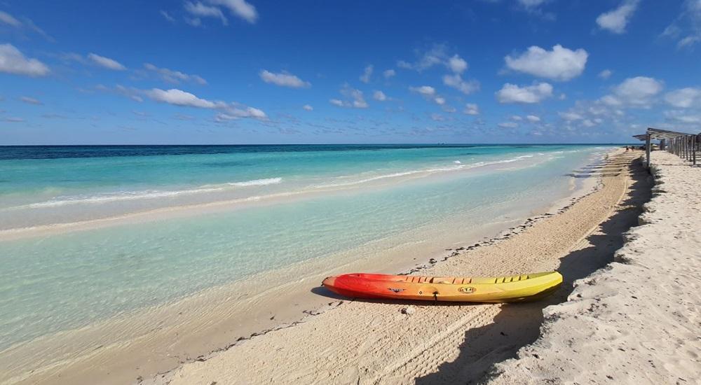 detente sur les plages paradisiaques de cayo santa maria a cuba