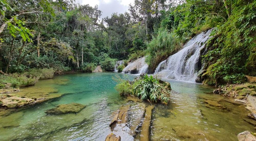 cascades proches de trinidad a cuba