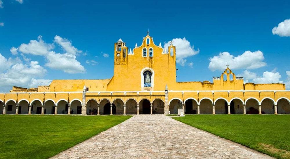 visiter izamal en circuit au Mexique