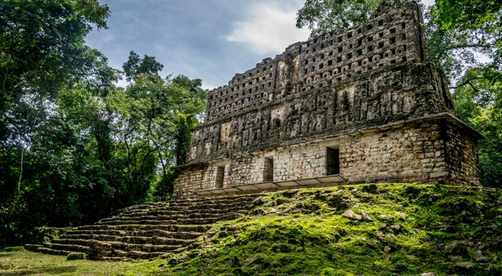 Temple de Yaxchilan au Mexique